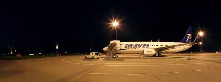 Boeing 737 vliegtuigen op een luchthaven stock afbeeldingen