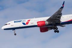 Boeing 757-231 VP-BPB Azur powietrze Obraz Stock