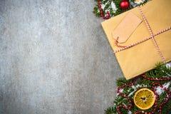 Boek als Kerstmisgift met lege markering Stock Afbeeldingen