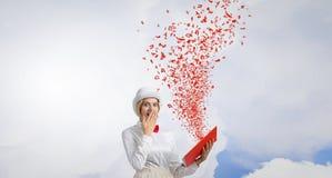 Boek dat - omhoog uw verbeelding blaast Royalty-vrije Stock Afbeeldingen
