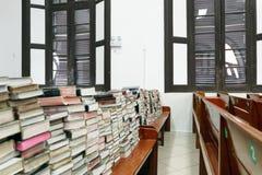 Boek in de kerk Royalty-vrije Stock Afbeeldingen