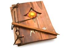 Boek en pen Stock Fotografie