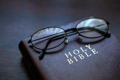 Boek, Lezing, de Heilige Bijbel Royalty-vrije Stock Afbeeldingen