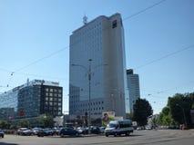 BOEKAREST - JUNI 24: De toren van de BRD in Victory Square op 24 Juni, 2017 in Boekarest, Roemenië Royalty-vrije Stock Afbeelding