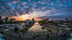 Boekarest timelapse Dâmboviț een Rivier stock footage
