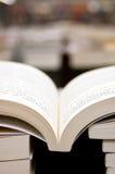 Boeken in Bibliotheek Stock Foto