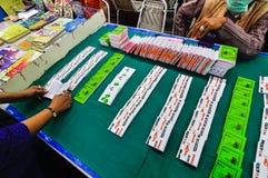 Boeken bij Kolkata-Boekenbeurs worden getoond - 2014 die Stock Foto's