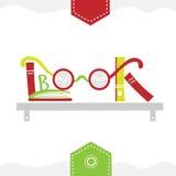 Boeken die op een boekenrek met glazen worden geplaatst Stock Afbeelding