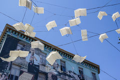 Boeken die over San Francisco vliegen Royalty-vrije Stock Foto's