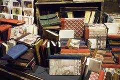 Boeken in een opslag royalty-vrije stock afbeeldingen