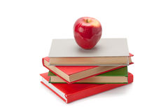 Boeken en Apple Royalty-vrije Stock Foto's