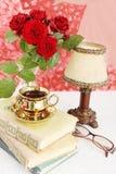 Boeken en glazen Royalty-vrije Stock Afbeeldingen