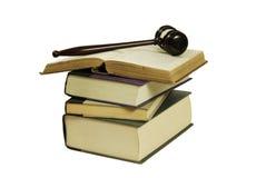 Boeken en hamer Stock Afbeelding