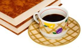 Boeken en koffie stock afbeeldingen