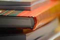 Boeken en notitieboekjes in mijn huisbureau Royalty-vrije Stock Fotografie