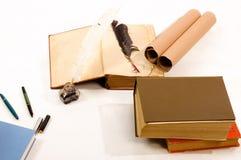 Boeken en schacht en inkt goed royalty-vrije stock foto's