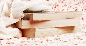 Boeken met parels Royalty-vrije Stock Foto