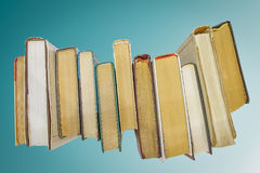 Boeken op blauwe achtergrond Royalty-vrije Stock Afbeelding