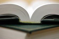 Boeken op de lijst Stock Foto