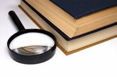 Boeken op een lijst. stock fotografie