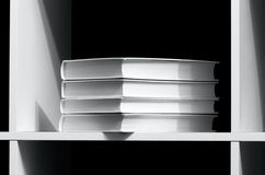 Boeken op een plank royalty-vrije stock fotografie