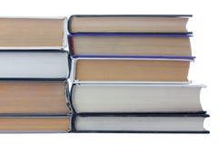 Boeken op wit Stock Afbeeldingen