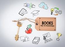 Boeken, sleutel aan kennis Sleutel op een witte achtergrond Royalty-vrije Stock Afbeeldingen