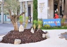 Boekenbeurs in Brescia ` untranslatable Librixia ` Boekhandels grote en kleine vertoning hun beste boeken Stock Foto