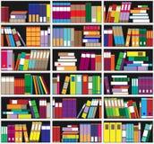 Boekenrekachtergrond Plankenhoogtepunt van kleurrijke boeken Huisbibliotheek met boeken Vector dichte omhooggaande illustratie De Royalty-vrije Stock Afbeelding