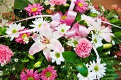Boeket van bloeiende bloemen Royalty-vrije Stock Foto's