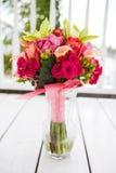 Boeket van bloemen in vaas Stock Fotografie
