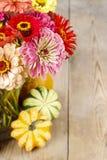 Boeket van de bloemen van Zinnia Stock Foto