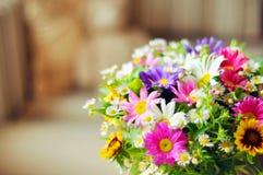 Boeket van eenvoudige bloemen Royalty-vrije Stock Foto's