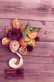 Boeket van mandarijnen, kegel en anijsplant royalty-vrije stock fotografie