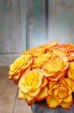 Boeket van oranje rozen, exemplaarruimte Stock Fotografie