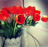 Boeket van oranje tulpen stock afbeelding