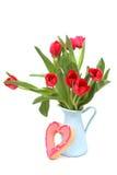 Boeket van rode tulpen in een vaas Stock Afbeelding