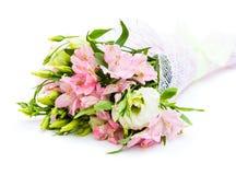 Boeket van roze en groene bloemen stock afbeeldingen