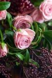 Boeket van rozen, tulpen en granaat Royalty-vrije Stock Afbeelding