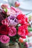 Boeket van tulpen en rozengranaatappel Royalty-vrije Stock Afbeeldingen