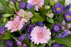 Boeket van verschillende bloemen Stock Foto
