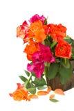 Boeket van verse roze en oranje rozen Stock Afbeeldingen