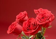 Boeket van vijf rozen