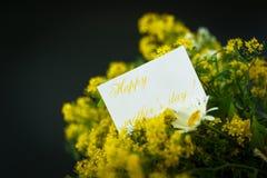 Boeket van wilde bloemen voor mamma Royalty-vrije Stock Afbeeldingen