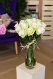 Boeket van witte rozen Royalty-vrije Stock Afbeeldingen