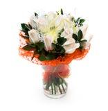 Boeket van witte rozen in vaas stock afbeelding