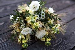 Boeket, wildflowers, bruids boeket stock fotografie