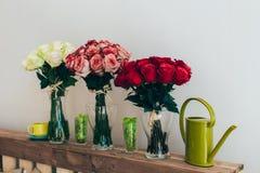 Boeketten van rozen Stock Foto