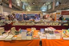 Boekhandel bij Yogafestival 2014 in Milaan, Italië Stock Foto