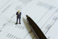 Boekhouding, investering, financieel verslaganalyse of uitgave en royalty-vrije stock foto